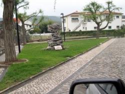 Estrada en paralelos de granito