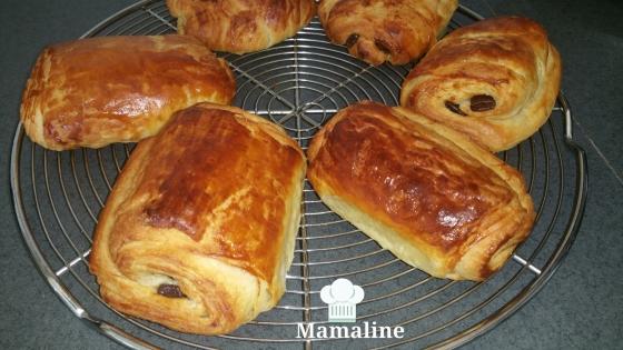Croissants pains au chocolat au robot p tissier la - Recette au robot patissier ...