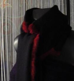 col/écharpe en laine noire