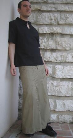 jupe-sarouel en coton beige, top en lin noir
