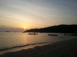 En admiration devant le couché du soleil :)