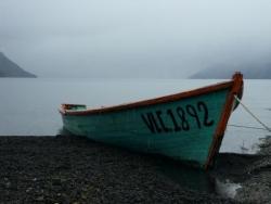 Barque dans la brume