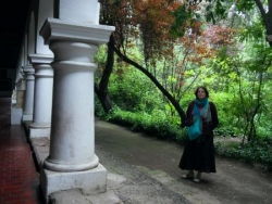 Daphne au musee colonial de Santiago