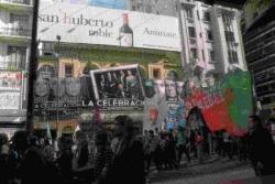 Manif sur fond de célébration - Corrientes