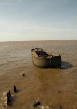 Barge échouée face à J. Newberry