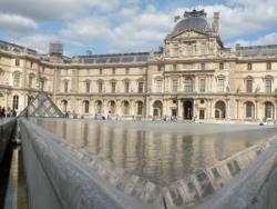 Le Louvre toujours