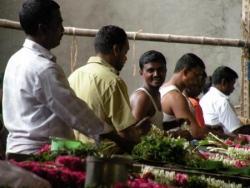 Vendeur de fleurs, temple de Madurai