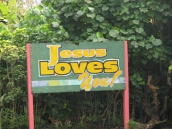 """Jesus loves you"""