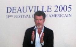 Pierce Brosnan en conférence de presse