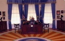 Le bureau ovale de la Maison Blanche reconstitué a