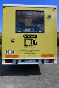 librairie ambulante Le Mokiroule, le camion est pr