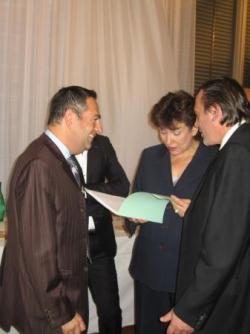 Avec Me Berton présentant le dossier à R Bachelot
