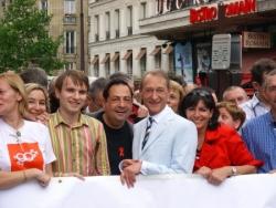 A La Gay Pride 2007 à côté du maire de Paris