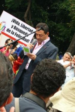 Discours à Mexico 1ère marche contre homophobie 20