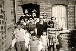 Photo de famille avec maman, papa, ...