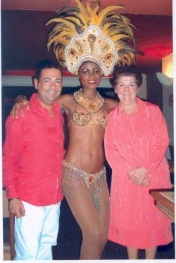 Avec maman dans un cabaret de Rio en décembre 2005