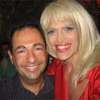 Avec la chanteuse trans Tonya